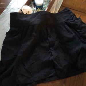 Black skirt with side pockets!